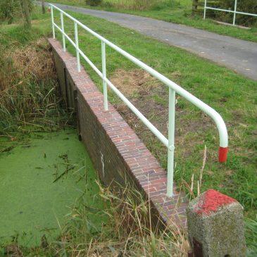 Brücke über die Buttforder Riege erstrahlt in neuem Glanz
