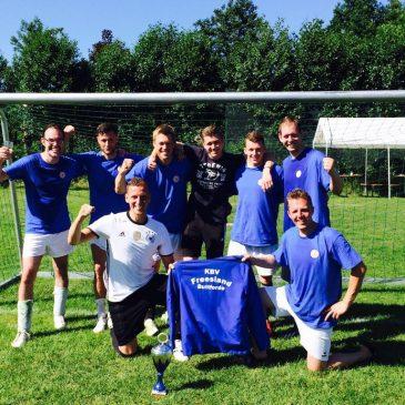 Fußball: nach 20 Jahren wieder den Pokal nach Buttforde geholt