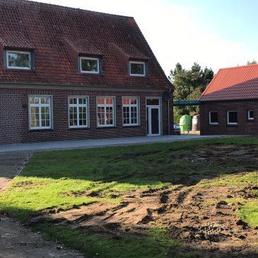 Bauarbeiten für Überdachung und Soccer-Platz laufen
